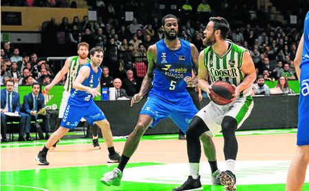 Pablo Almazán resultó decisivo en la victoria del pasado domingo del Real Betis sobre el San Pablo Burgos en la capital hispalense.