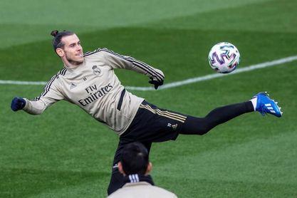 Bale sufre un esguince en el dedo meñique de la mano derecha