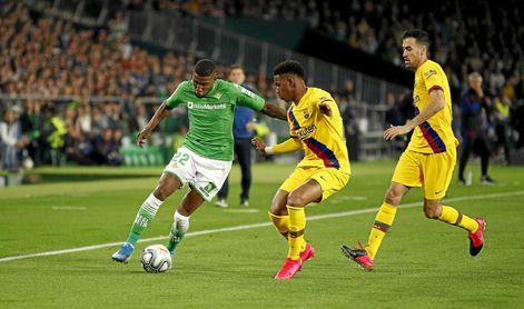 Emerson no piensa en el Barcelona por ahora.