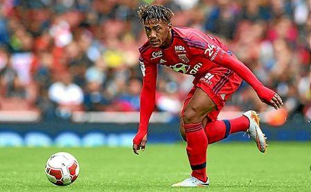 Fahd Moufi, criado en la cantera del Olympique de Lyon, juega esta temporada en el Tondela.