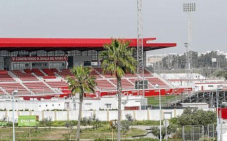 Antes de mandar a todos a casa, el Sevilla se entrenó en su ciudad deportiva a puerta cerrada.