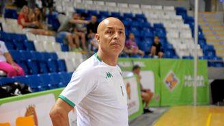 Juanito, técnico del Betis Futsal, en un partido.