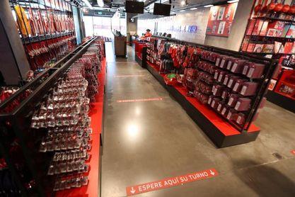 El Atlético de Madrid reabre sus tiendas del Metropolitano y Gran Vía