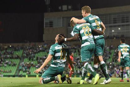 Ocho de 15 jugadores del Santos Laguna superan la COVID-19