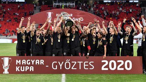 El Honved vuelve a levantar la Copa once años después