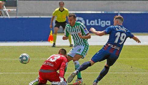 Juanmi se ha ganado a la afición del Betis.
