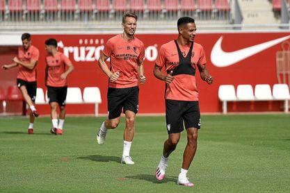 Fernando y De Jong, durante el entrenamiento de hoy.
