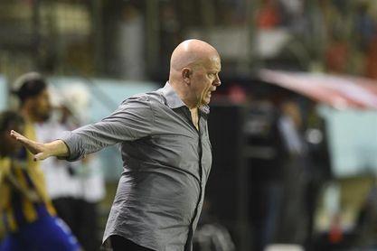 El argentino Ischia, con el reto de recomponer en Copa Libertadores al campeón Delfín
