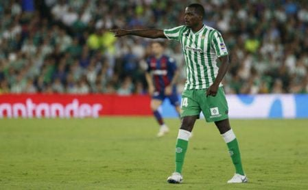 El último servicio de William Carvalho.