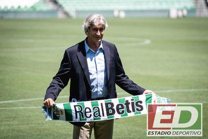 """Pellegrini en su presentación con el Betis: Antonio Cordón, su estilo """"gustador"""", el """"par de pasos abajo"""" con el Sevilla..."""