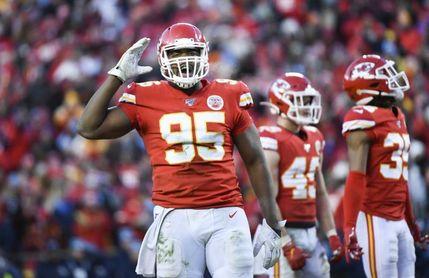 Los Chiefs y el defensivo Jones llegan a un acuerdo de cuatro temporadas