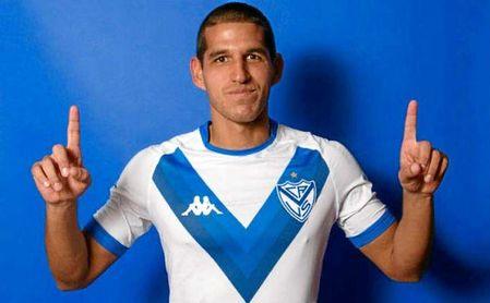 Abram acaba contrato en Vélez en 2021 y quiere salir este verano.