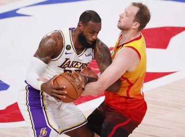 116-108. Davis aporta doble-doble y Lakers ganan a Jazz