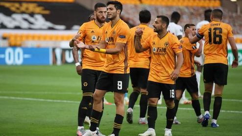 La UEFA impone mediadas de control financiero al rival del Sevilla.