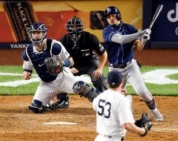 10-5. Los Rays logran la primera barrida en el Yankee Stadium y son líderes del Este