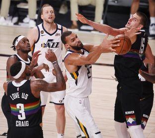 Jokic pone a los Nuggets en las semifinales; Tatum a los Celtics con 2-0 ante los Raptors