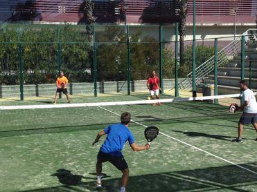 ¿Dónde practicar tenis y pádel?
