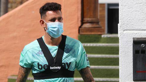 """""""Estamos trabajando para que Sanabria vuelva al Genoa""""."""