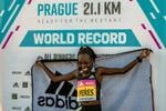 Jepchirchir corre el medio maratón femenino más rápido de la historia