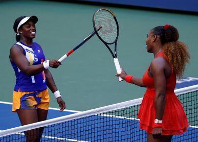 Serena Williams gana elimina a Stephens y se cita en octavos con Sakkari
