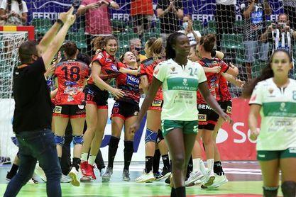 La gallega Estela Doiro (Rincón Fertilidad) es elegida mejor jugadora de la final