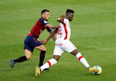 Oier Sanjurjo renueva hasta 2022 con Osasuna