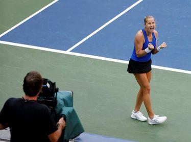 Rogers elimina a la favorita Kvitova y jugará sus primeros cuartos de final