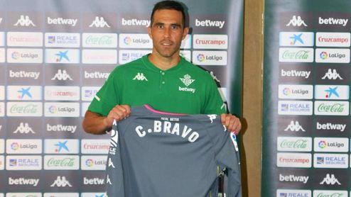 Claudio Bravo se gana la confianza para ser titular.