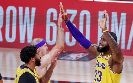 110-100. Los Lakers quedan a un triunfo de la final de la Conferencia Oeste