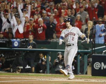 7-5. Bregman marca la victoria de los Astros, que son rechazados por los aficionados