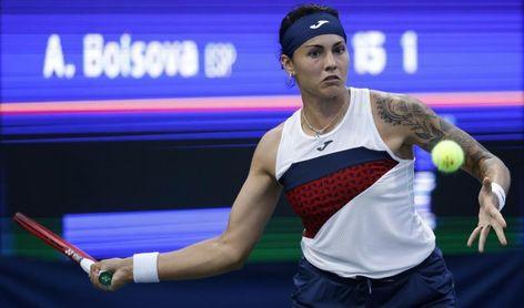Bolsova cae en su retorno a Roland Garros