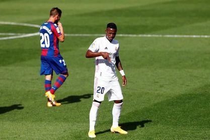 Vinicius celebra con gol su partido 50 en Liga
