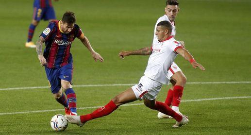 Koeman se queja de un penalti no pitado a Messi