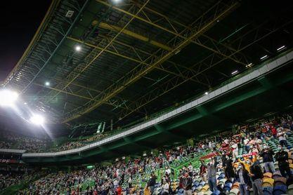 Los aplausos del público vuelven a Portugal en el amistoso contra España