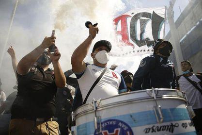 El fútbol salvadoreño sigue bajo condición de extremar medidas por la covid