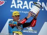 Gana Lowes y Bastianini recupera el liderato del mundial