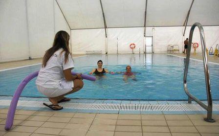 Rehabilitación en el agua en el CDU Bermejales.