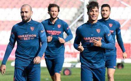Óscar Rodríguez espera su primera gran oportunidad con el Sevilla