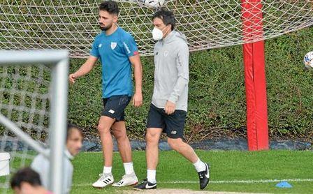 Nolaskoain se retira del entrenamiento y es duda para la visita del Sevilla.