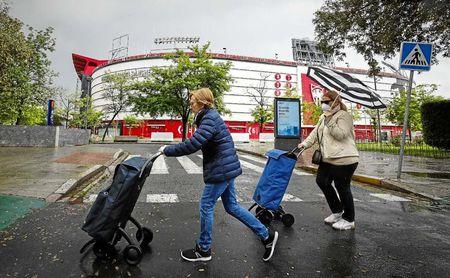 A puerta cerrada y con toque de queda en las calles: ¿Cómo puedo ver el Sevilla-Rennes?