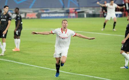 Sevilla F.C.-Rennes (1-0): De Jong firma un triunfo tan corto como redentor