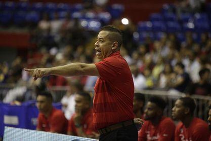 La armonía de grupo complace al técnico de selección de baloncesto de Panamá