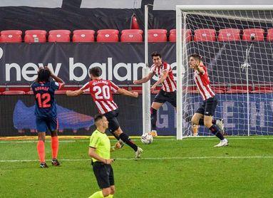 2-1. El Athletic se reflota remontado al Sevilla