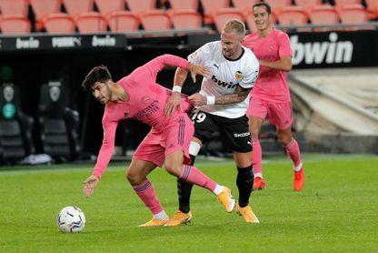 4-1. El Valencia, con tres goles de penalti, no da opción al Real Madrid