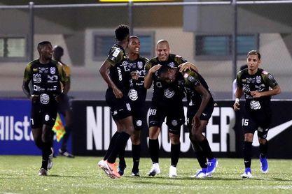 El CAI golea al Tauro y se mantiene en la punta del tornoe Clausura 2020 del fútbol en Panamá