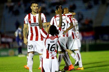 Cerro Largo, River Plate y Nacional no conocen la derrota en el torneo Intermedio de fútbol en Uruguay