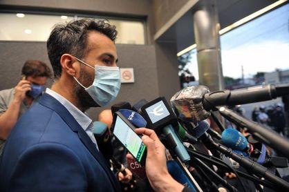 El médico de Maradona dice que están evaluando darle el alta clínica