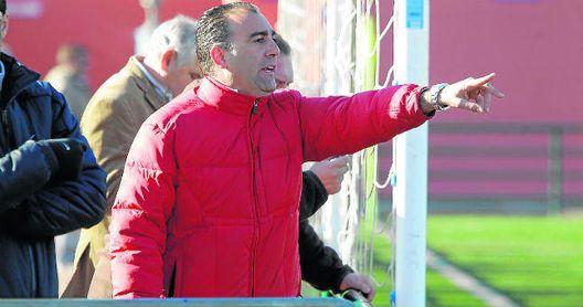 Fallece Andrés Millán, reputado entrenador del fútbol sevillano, a los 48 años