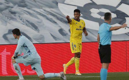 El 'Choco' Lozano celebra su gol ante el Real Madrid.