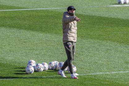 Correa y Joao apuntan al ataque; Hermoso, al lateral izquierdo